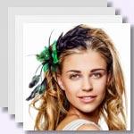 zur Bildergalerie - Haarschmuck mit Blumen, Federn & Co