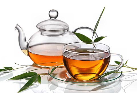 15 Tee-Rezepte gegen Pickel und Akne