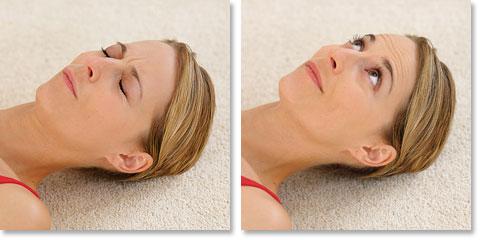 Entspannungsübung gegen Falten nach Jacobson: Gesicht – Stirn