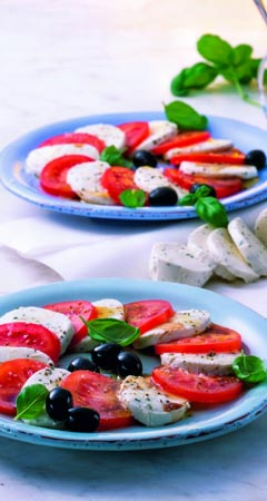 Caprese Rezept: Tomate, Mozzarella mit Basilikum