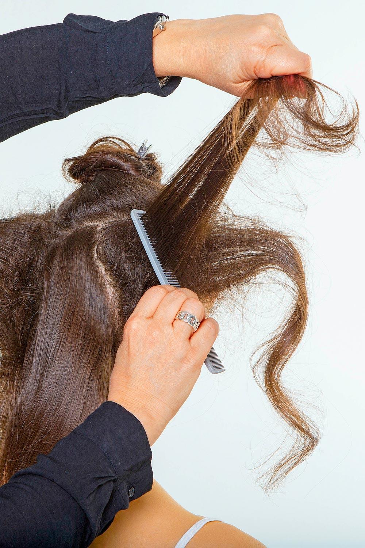 Audrey Hepburn Frisur Style 1 Anleitung 1 Haare Abteilen