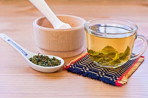 Grüner Tee gegen Pickel und Akne