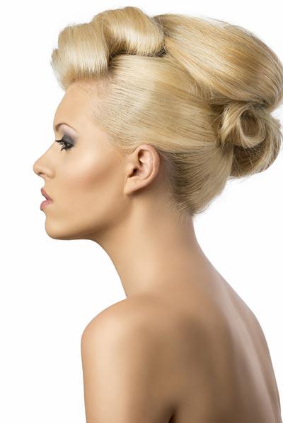 Extravagante Hochsteckfrisur für dickes Haar