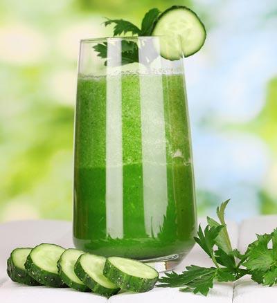 Schöne Haut durch grüne Smoothies