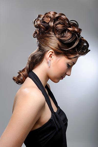 Lockige halbe Hochsteckfrisur - Hochsteckfrisuren für lange und mittellange Haare