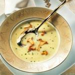 weiter zu - Käsecremesuppe mit Pfifferlingen