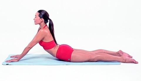 Stretching Übung für einen straffen Bauch