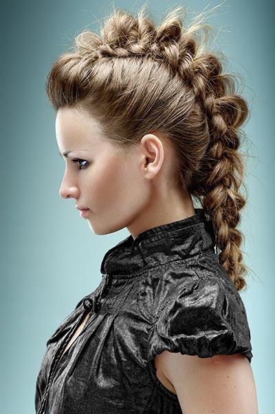Punk Zopf Im Bow Braid Style Geflochtene Haare Und Frisuren
