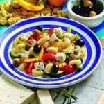 weiter zu - Nudelsalat mit Feta & Oliven