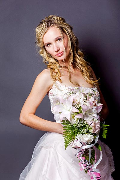 Offene Brautfrisur Mit Gekreppten Haaren Frisuren Fur Die Hochzeit