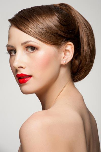 Strenge Hochsteckfrisur - Hochsteckfrisuren für lange und mittellange Haare