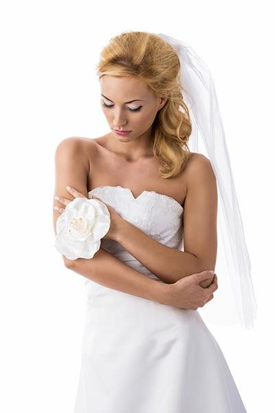 Schlichte Brautfrisur Hochzeitsfrisuren Brautfrisuren Für Lange