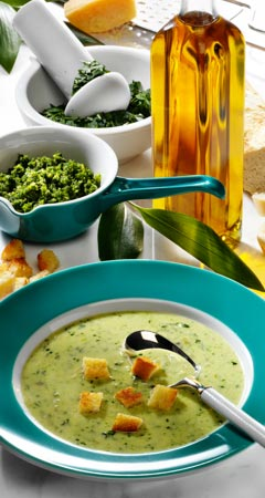 Rahmsuppe mit Bärlauchpesto Rezept