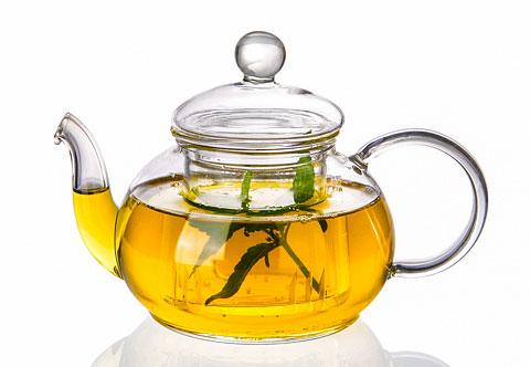 Heilkräuter Tee gegen Pickel und Akne