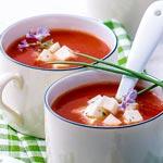 weiter zu - Tomaten-Mozzarella-Suppe