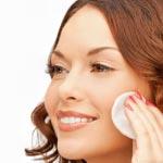 weiter zu - Gesichtswasser gegen Pickel und Akne