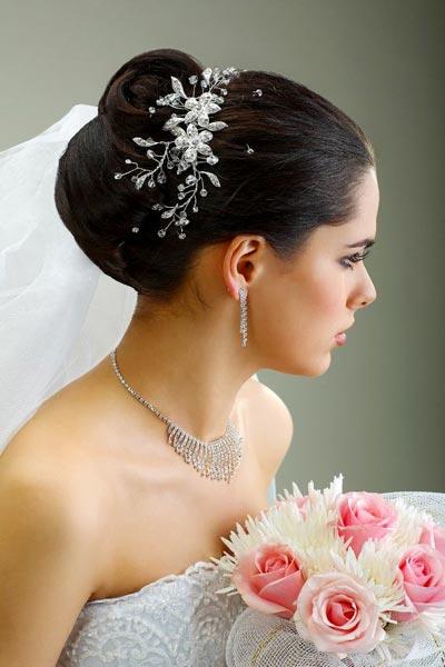 Chignon Mit Schleier Hochzeitsfrisuren Brautfrisuren Mit