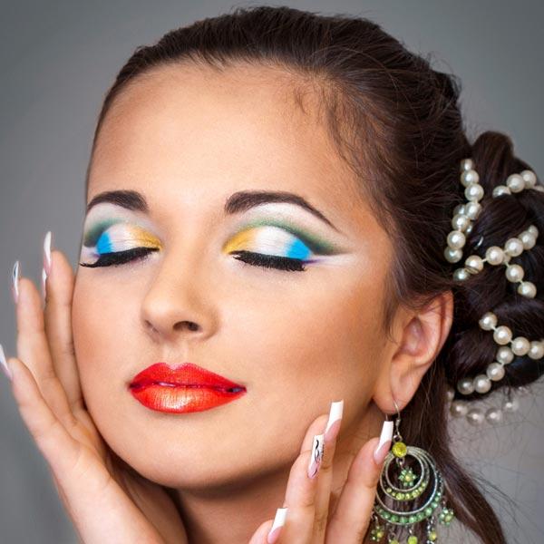 Schönes Party-Augen-Make-up | Grüne Augen schminken