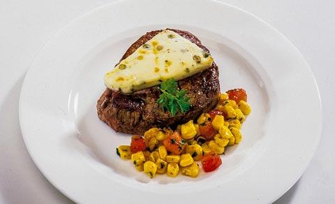 Mittagessen - Steak mit grünem Pfeffer-Käse