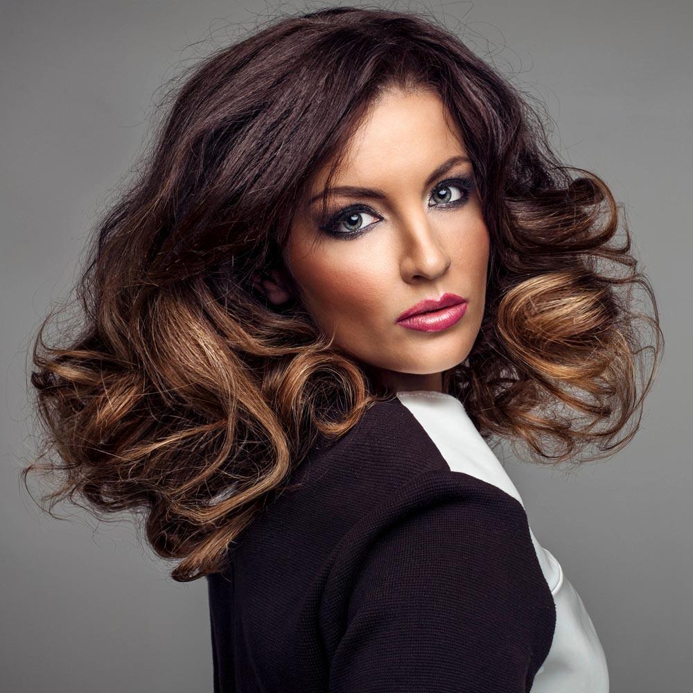 schicke frisur für lange lockige haare | lange frisuren