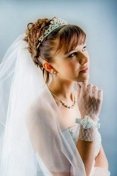 Haarschmuck für Braut und Hochzeit - Funkelnde Tiara zur Hochzeit