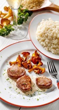 Schweinemedaillons mit Pfifferlingen und Reis