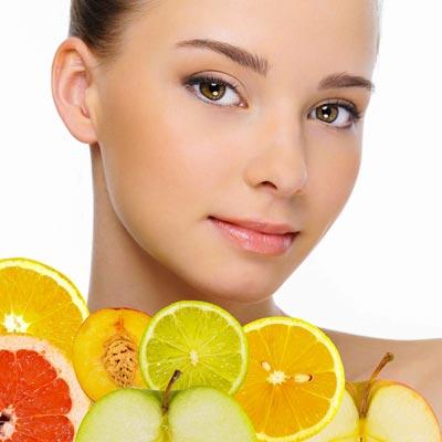 Fruchtsäurecreme und -peeling gegen Falten