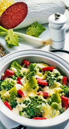 Mittagessen - Überbackener Romanesco mit Salami