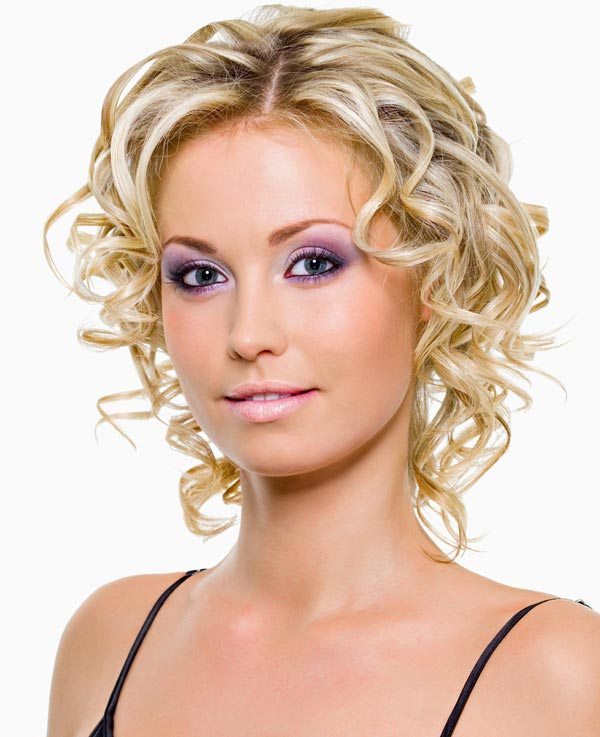 Lila augen make up f r gro e augen blaue augen schminken schminkanleitung - Blaue augen schminken anleitung mit bildern ...