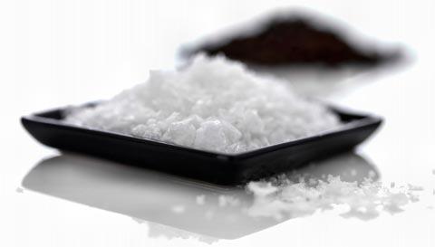 Salz gegen Pickel, Akne, Mitesser und unreine Haut
