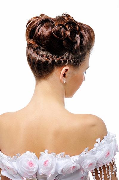 Zauberhafte Braut-Flechtfrisur