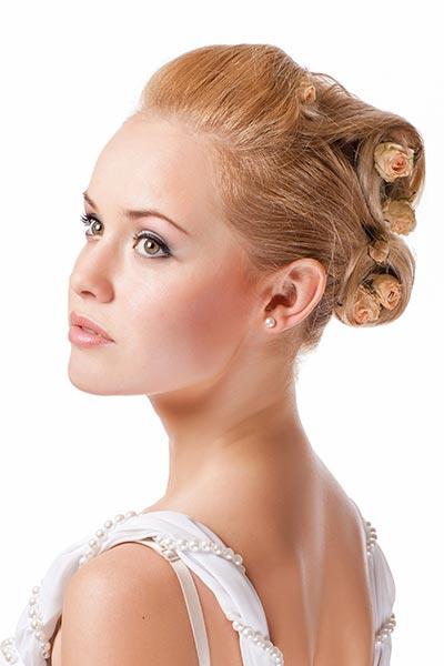 Frisuren für die Hochzeit - Romantische Brautfrisur