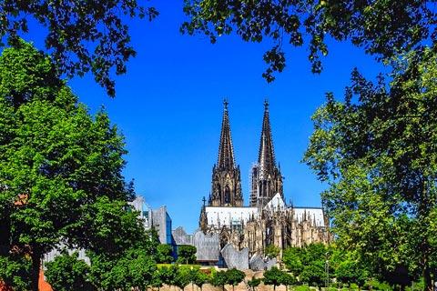 Einen Kurzurlaub in Köln mit Wellness genießen