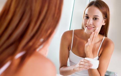 Creme gegen Pickel, Akne, Mitesser und unreine Haut