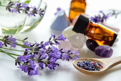 Lavendelöl gegen Pickelmale