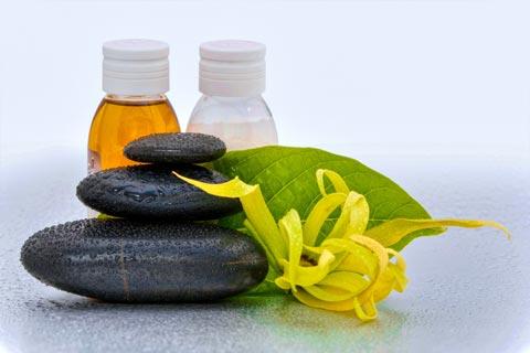 parfum rezept sinnliches parfum mit ylang ylang eigenes parfum selber mischen. Black Bedroom Furniture Sets. Home Design Ideas