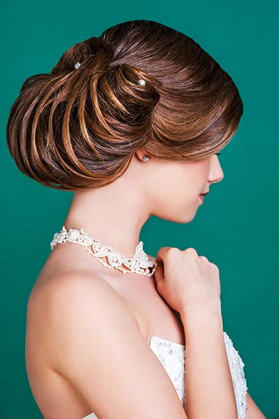 Großer Haarknoten locker gestylt
