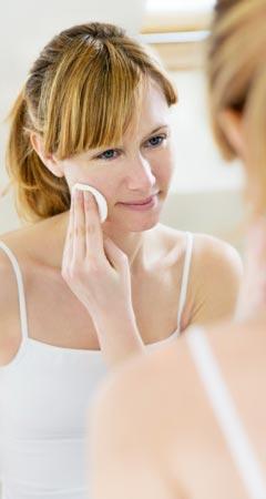 Eigenurin gegen Pickel, Akne, Mitesser und unreine Haut