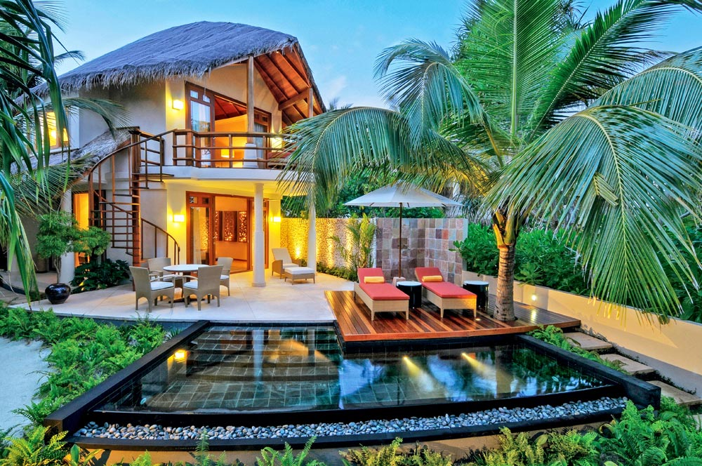 Urlaub auf den Malediven Atollen in einem Haus am Meer
