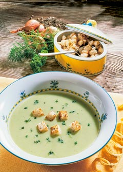 Buttermilch-Diät - 3. Tag: Mittagessen - Leichte Kräutersuppe mit Joghurt