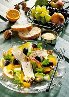 Gesunde vegetarische Diät - Abendessen: Fruchtiger Käsesalat
