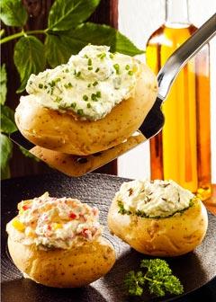Gesunde vegetarische Diät - Mittagessen: Gefüllte Kartoffeln mit Kräuterquark