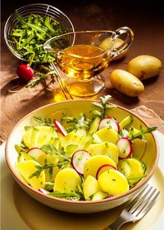 Gesunde vegetarische Diät - Abendessen: Kartoffelsalat mit Rucola