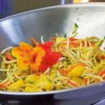 weiter zu fettarme Rezepte - Sprossen-Ananas-Wok