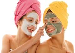 Masken gegen Akne und unreine Haut