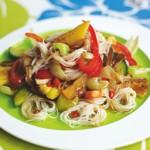 zu chinesische Rezepte - Süßsaure Nudeln mit Gemüse