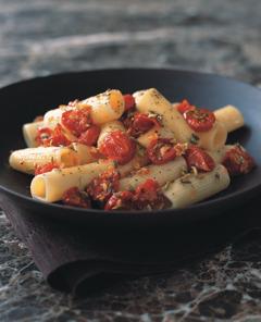 Italienische Rezepte: Rigatoni mit gegrillten Kirschtomaten