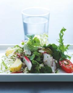 leckere salate gr ner salat mit r ucherfisch. Black Bedroom Furniture Sets. Home Design Ideas