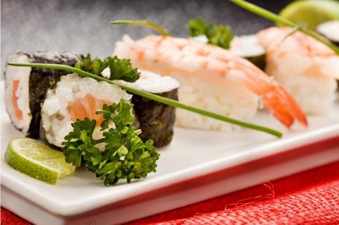 Gemischte Sushi-Platte selber machen