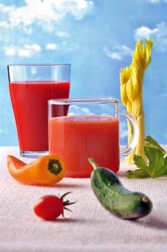 Gazpacho-Drink und Gemüse-Smoothie